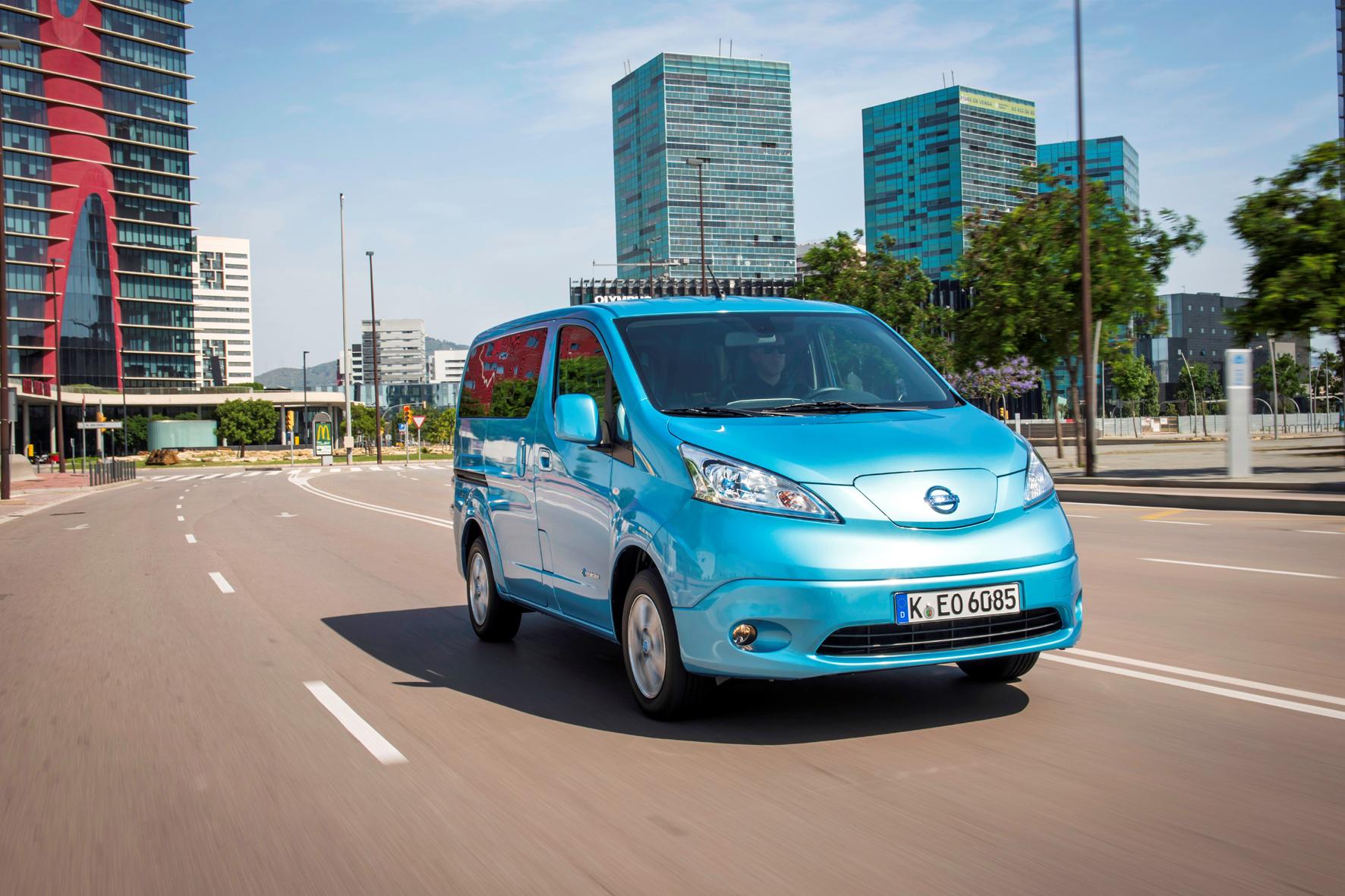 mid Düsseldorf - Handwerksbetriebe sparen beim Kauf oder Leasing des E-Transporters Nissan e-NV200 jetzt bis zu 5.000 Euro.