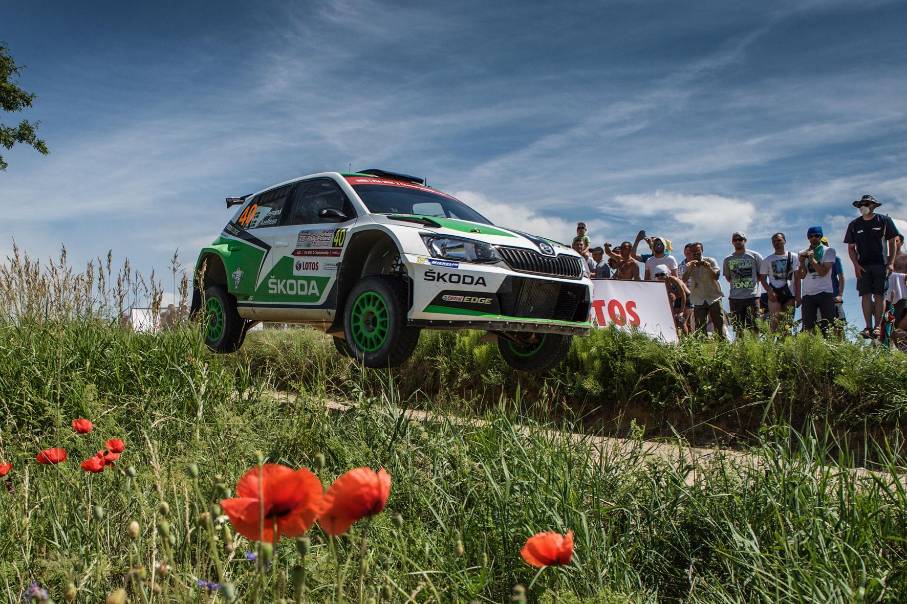 mid Düsseldorf - Abgehoben: Bei der Rallye Finnland sind Sprünge von mehr als 50 Metern mit dem Auto möglich.