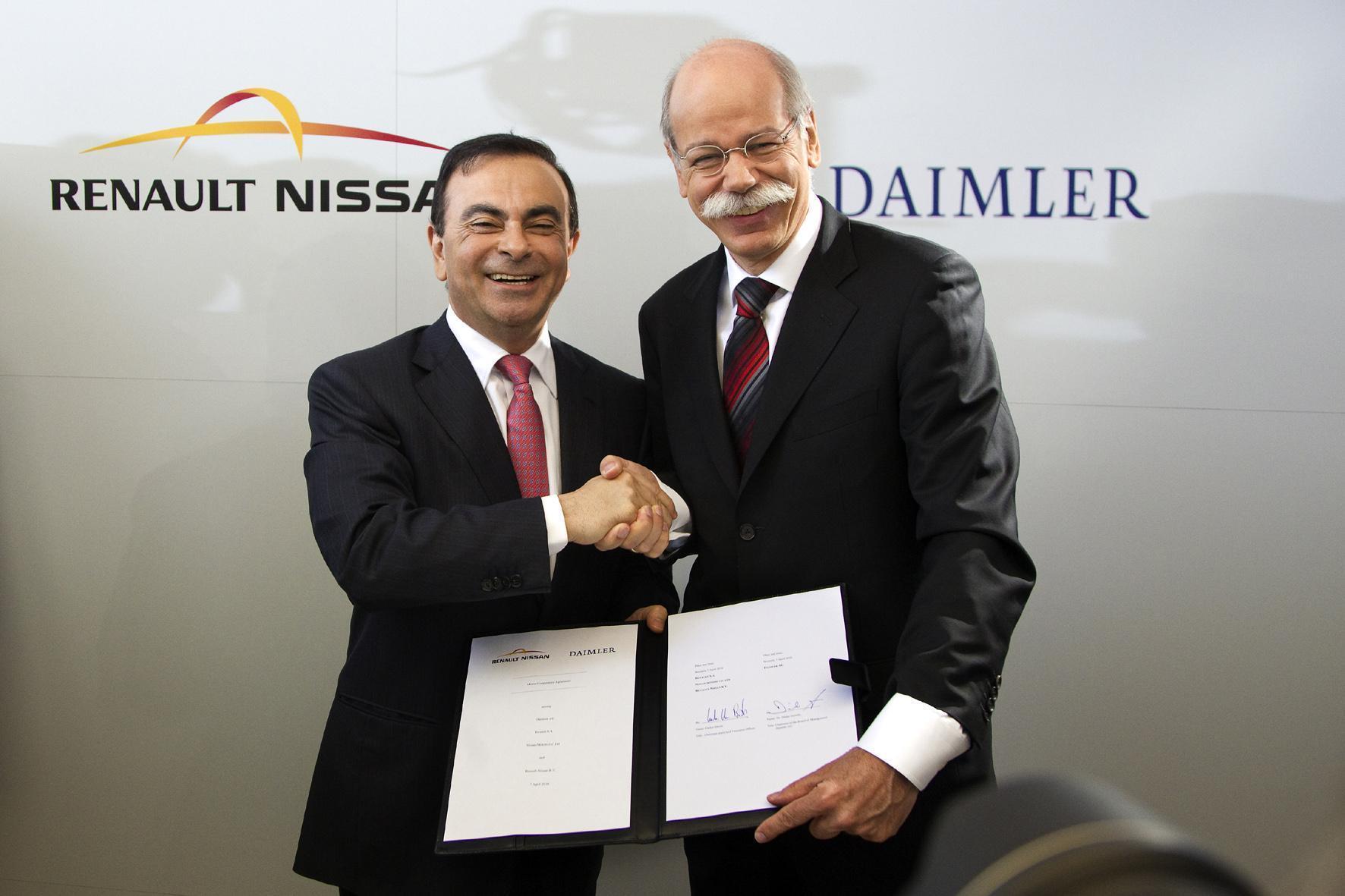 mid Düsseldorf - Renault-Nissan und Daimler weiten ihre 2010 begründete Kooperation durch den Bau einer gemeinsamen Fabrik in Mexiko aus. Im Bild: Renault-Nissan-Chef Carlos Ghosn und Dr. Dieter Zetsche, Vorsitzender des Vorstands der Daimler AG.