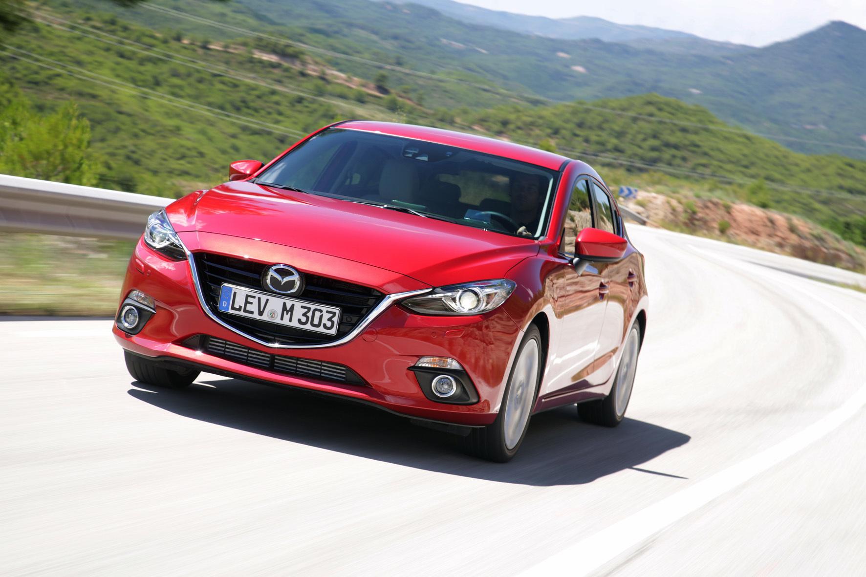 mid Düsseldorf - Der Mazda3 sticht mit seiner Formensprache aus der Menge der Kompakt-Modelle heraus.