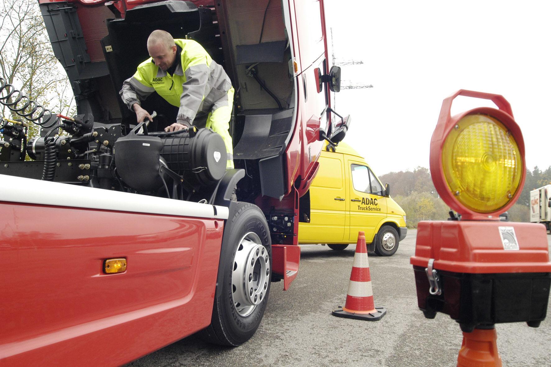 mid Düsseldorf - Neuartige Ultra-Kondensatoren für Lkw sollen Startprobleme bei Kälte beseitigen.