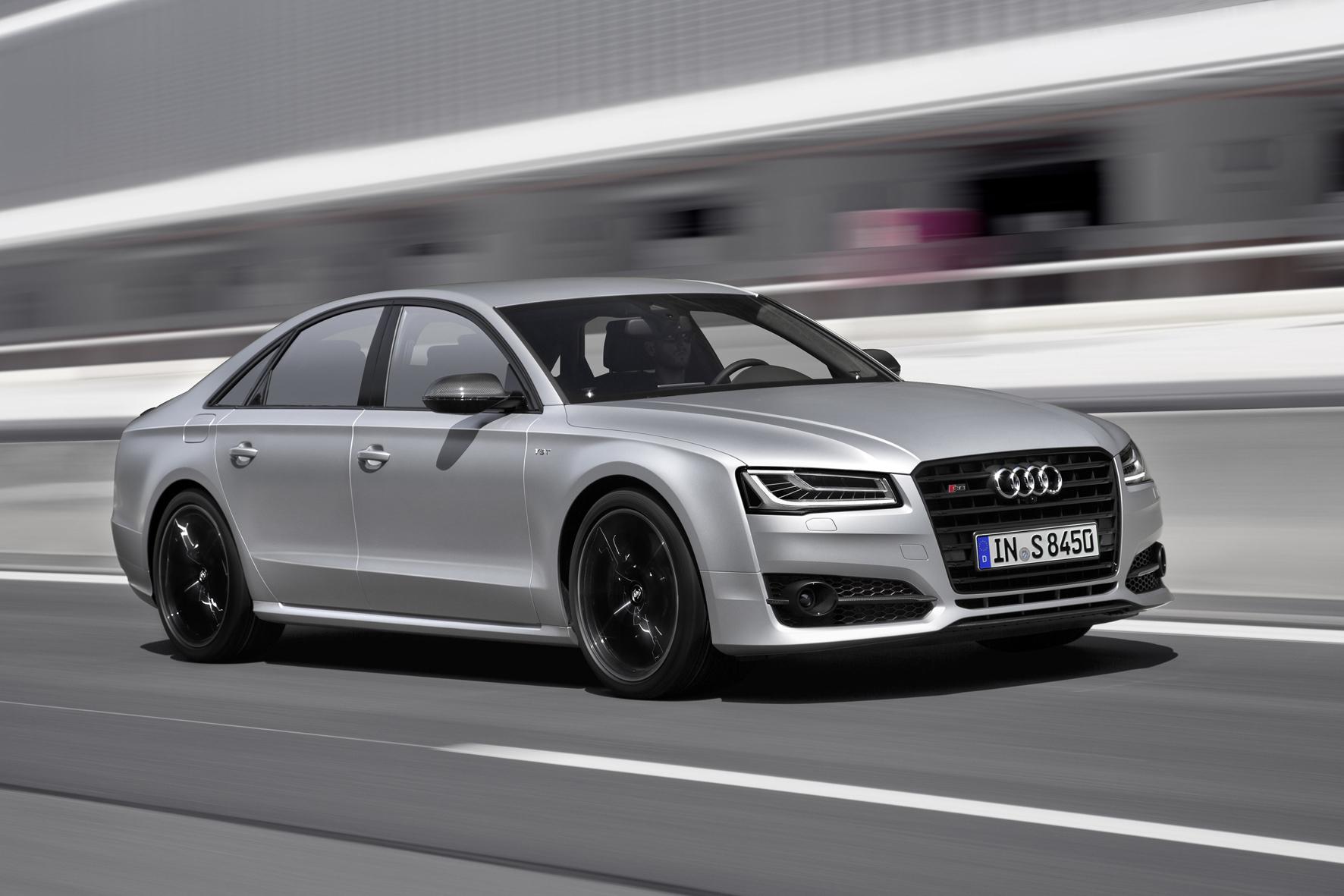 """mid Düsseldorf - Auf die Spitze getrieben: Wem Audis Oberklasse-Limousine S8 mit 520 PS noch nicht sportlich genug ist, kann jetzt die """"plus""""-Variante mit 605 PS zum Preis ab 145.200 Euro ordern."""