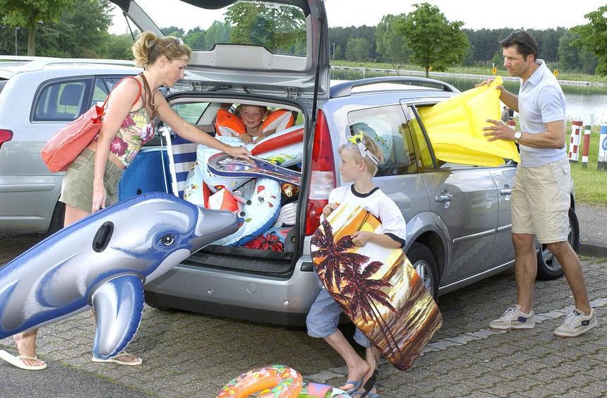 mid Düsseldorf - Vor der Fahrt in die Ferien sollte sich jeder Autofahrer genau über die ...