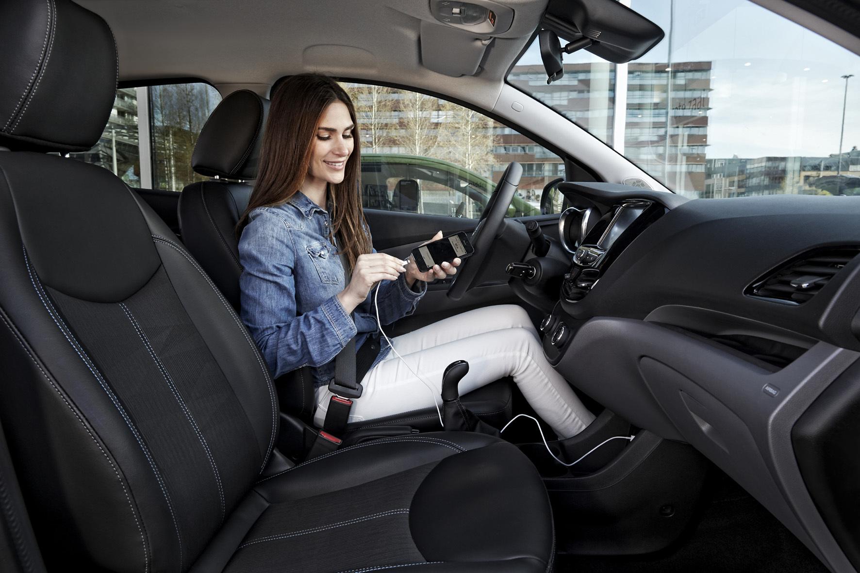 mid Düsseldorf - Unter Kontrolle: Die neue App analysiert das Fahrverhalten.
