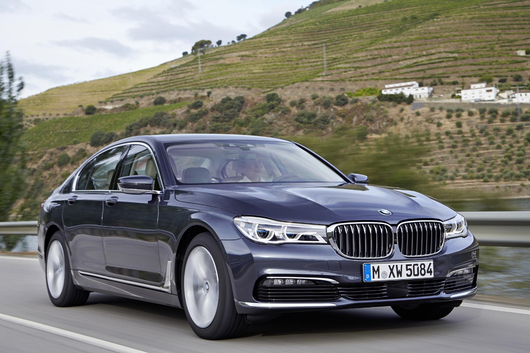 mid Porto/Portugal - Flaggschiff aus München: Der neue 7er BMW rollt im Oktober zu Preisen ab 81.900 Euro zum Händler.