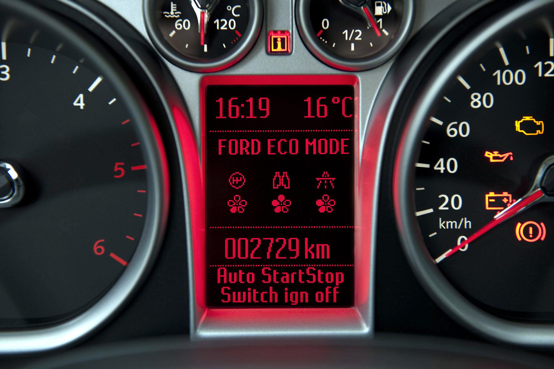 mid Düsseldorf - Zahlreiche Assistenzsysteme sollen Autofahrern beim Kraftstoffsparen helfen. Übrigens: Als größter Spritfresser gilt in vielen Fällen die Klimaanlage.