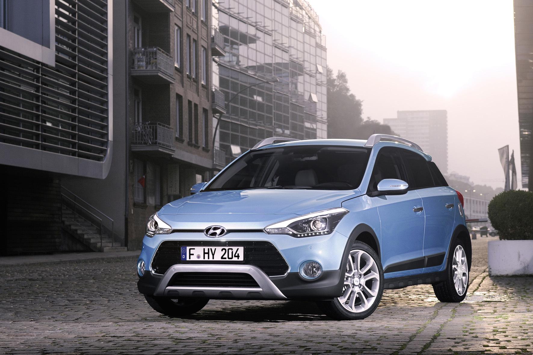 mid Düsseldorf - Hyundai führt bei seiner Kleinwagen-Baureihe i20 neue Drei- und Vierzylinder-Turbobenziner ein. Einen neuen Dreizylinder-Direkteinspritzer präsentierten die Koreaner jetzt im Crossover i20 Active (Foto).