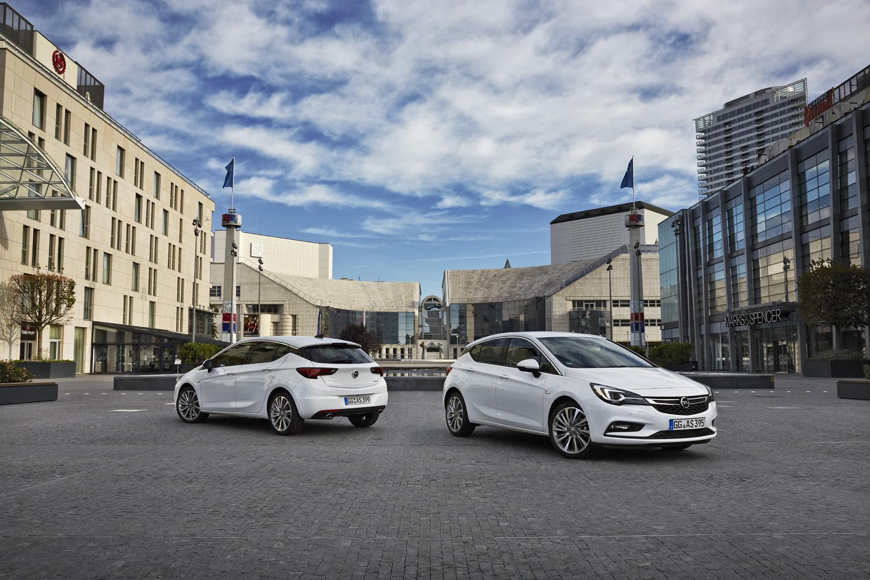 mid Düsseldorf - Mit dem neuen Astra geht Opel nicht nur technisch neue Wege. Bei dem Kompakten setzen die Rüsselsheimer auch in Sachen Design Akzente.