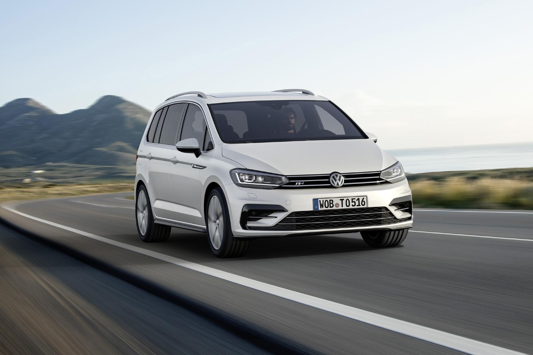 mid Düsseldorf - Sportlicher Feinschliff: VW bietet für den Touran jetzt zwei R-Line-Ausstattungspakete an.