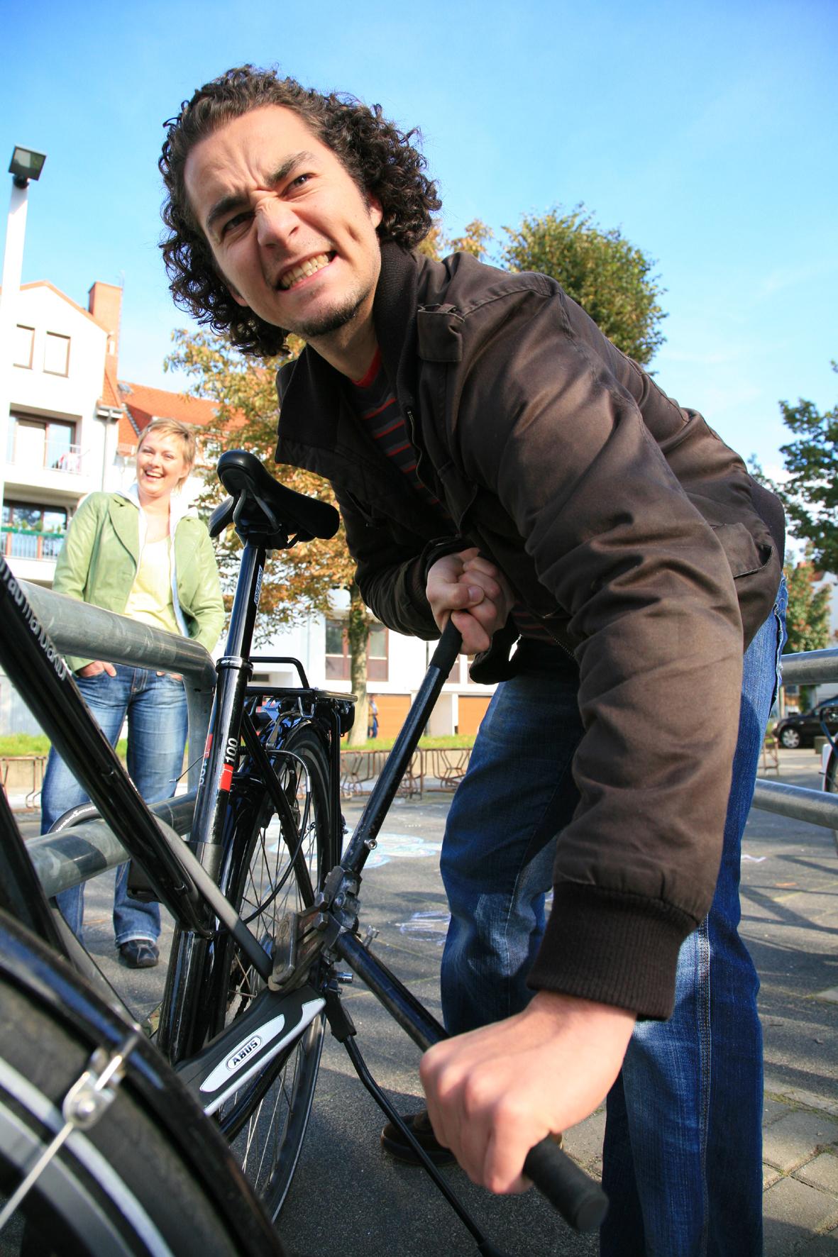 mid Düsseldorf - Mehr als jedem vierten Deutschen wurde bereits mindestens einmal sein Fahrrad gestohlen.