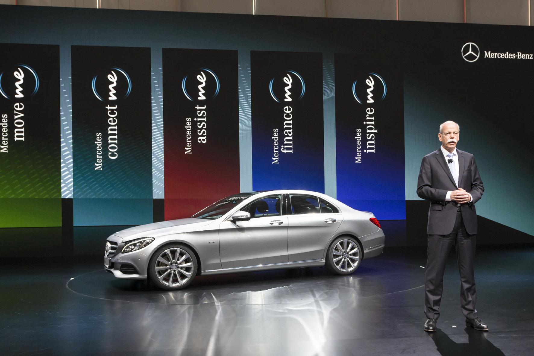 """mid Düsseldorf - Der Telematikdienst """"Mercedes me"""" ist jetzt auch für 24 ältere Modelle der Marke erhältlich."""