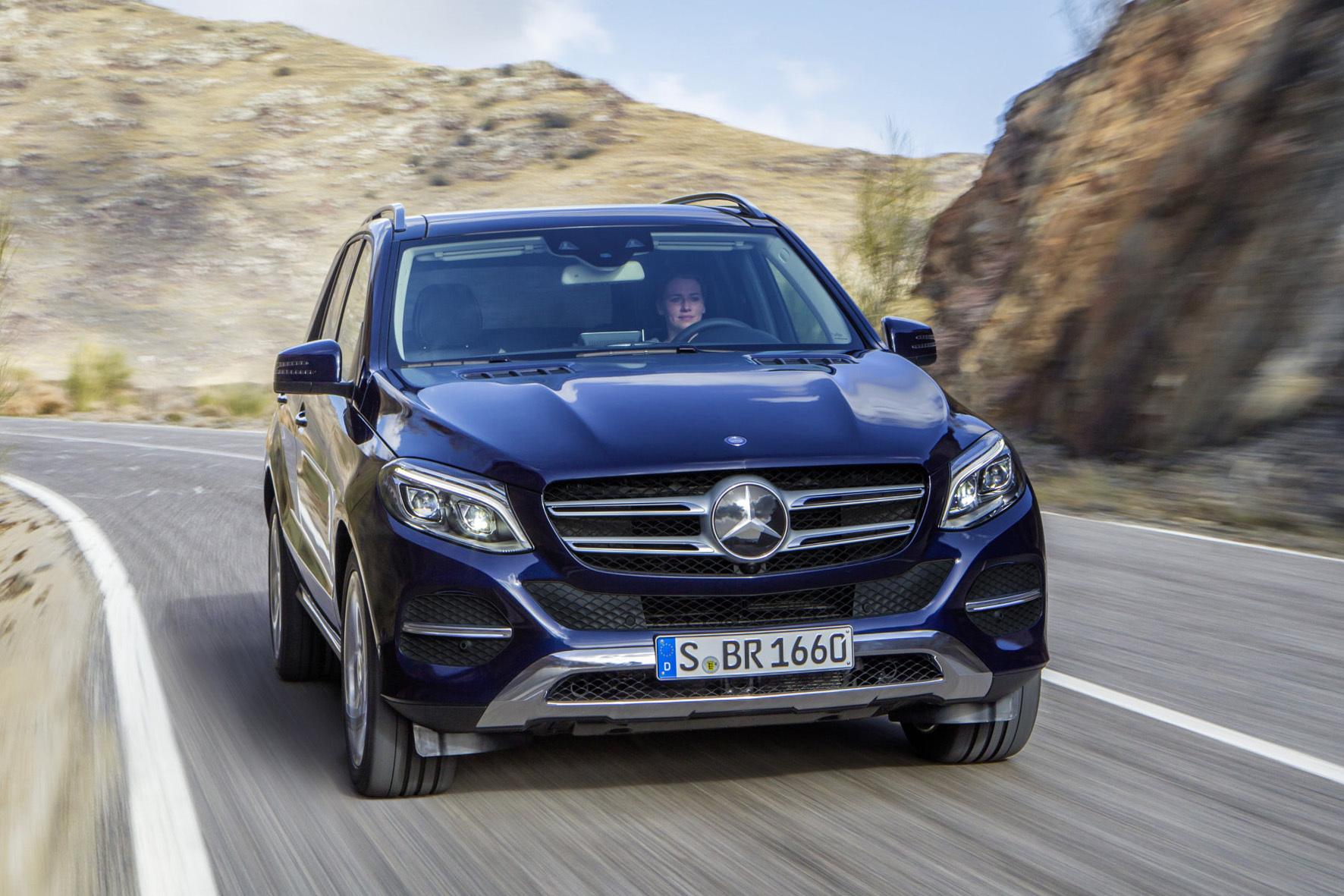 mid Düsseldorf - Große SUV mit Benzinmotor sind in Deutschland eine Seltenheit. Der Mercedes GLE 400 aber beweist, dass es nicht immer ein Selbstzünder sein muss.