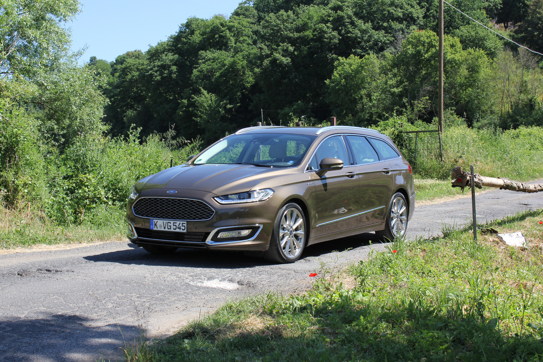 mid Köln - Mehr Luxus durch mehr Ruhe: Ford setzt beim Vignale-Spitzenmodell des Mondeo jetzt eine Technik ein, die Störgeräusche im Auto reduziert.