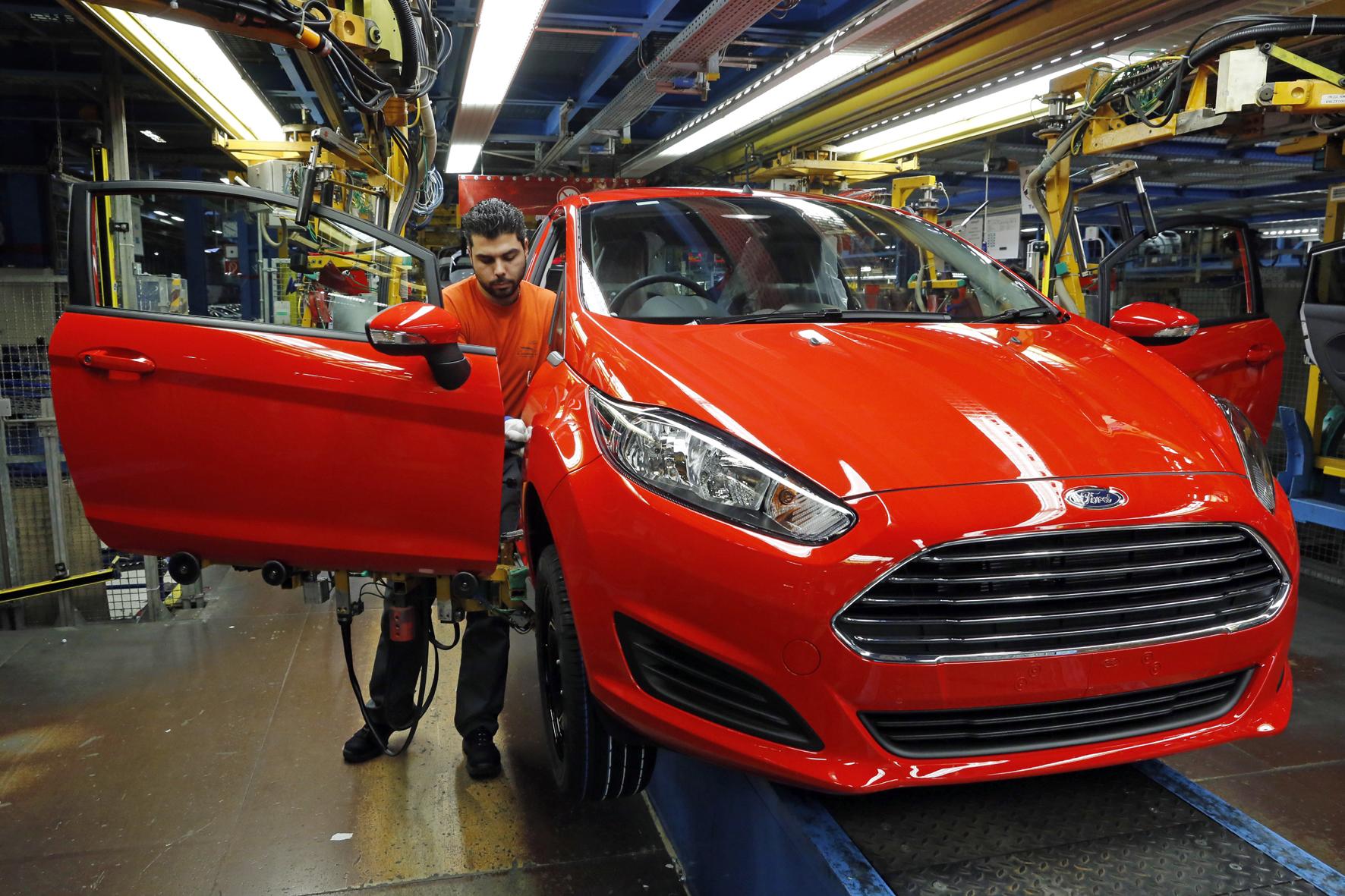 mid Köln - Energiesparen in der Auto-Fabrik: Zwei Ford-Standorte werden 2016 ein Viertel weniger Energie verbrauchen als noch 2011.
