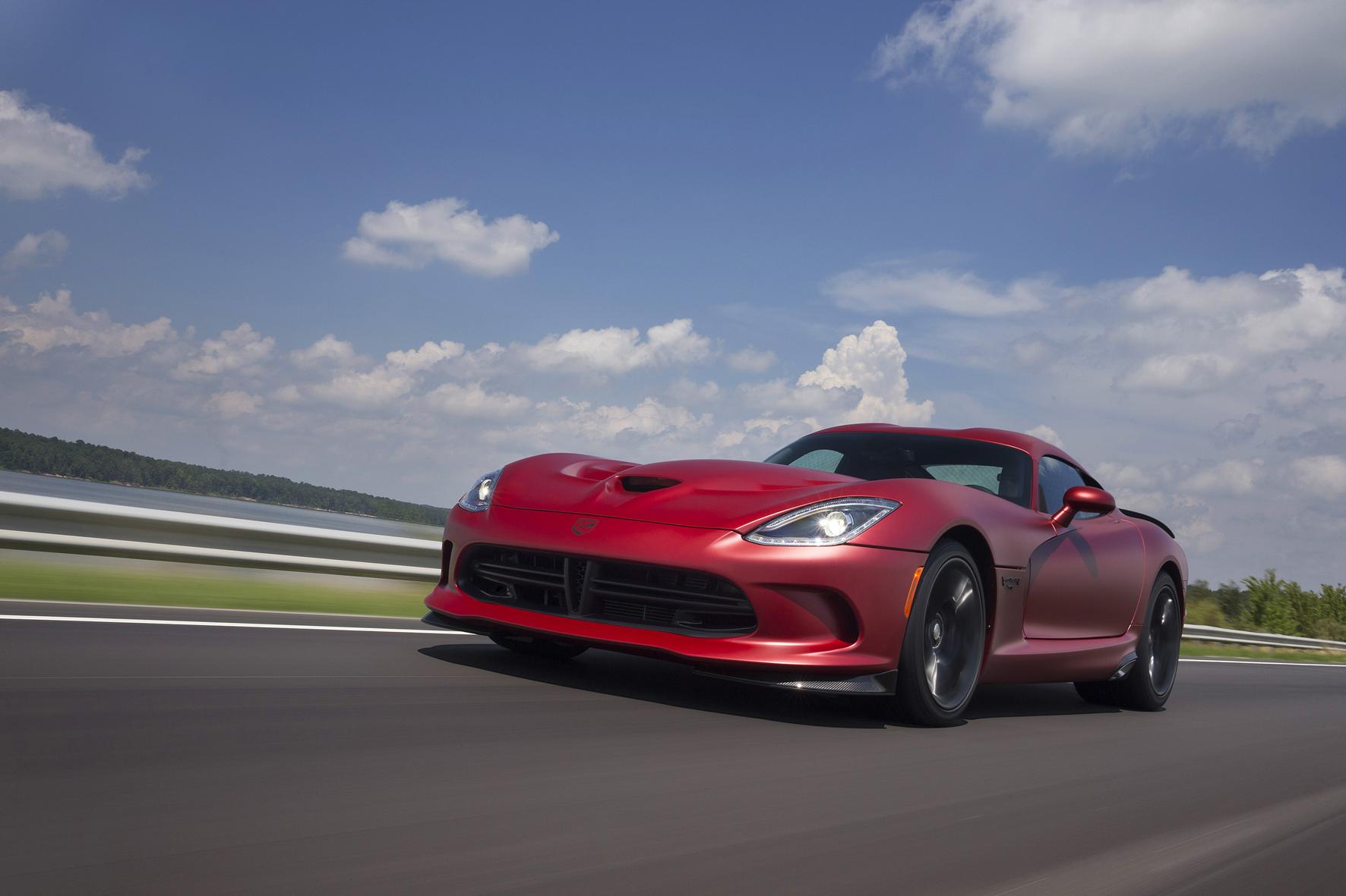 mid Düsseldorf - Eine amerikanische Sportwagen-Legende steht vor dem Aus: Fiat Chrysler will die Produktion der Viper 2017 einstellen.