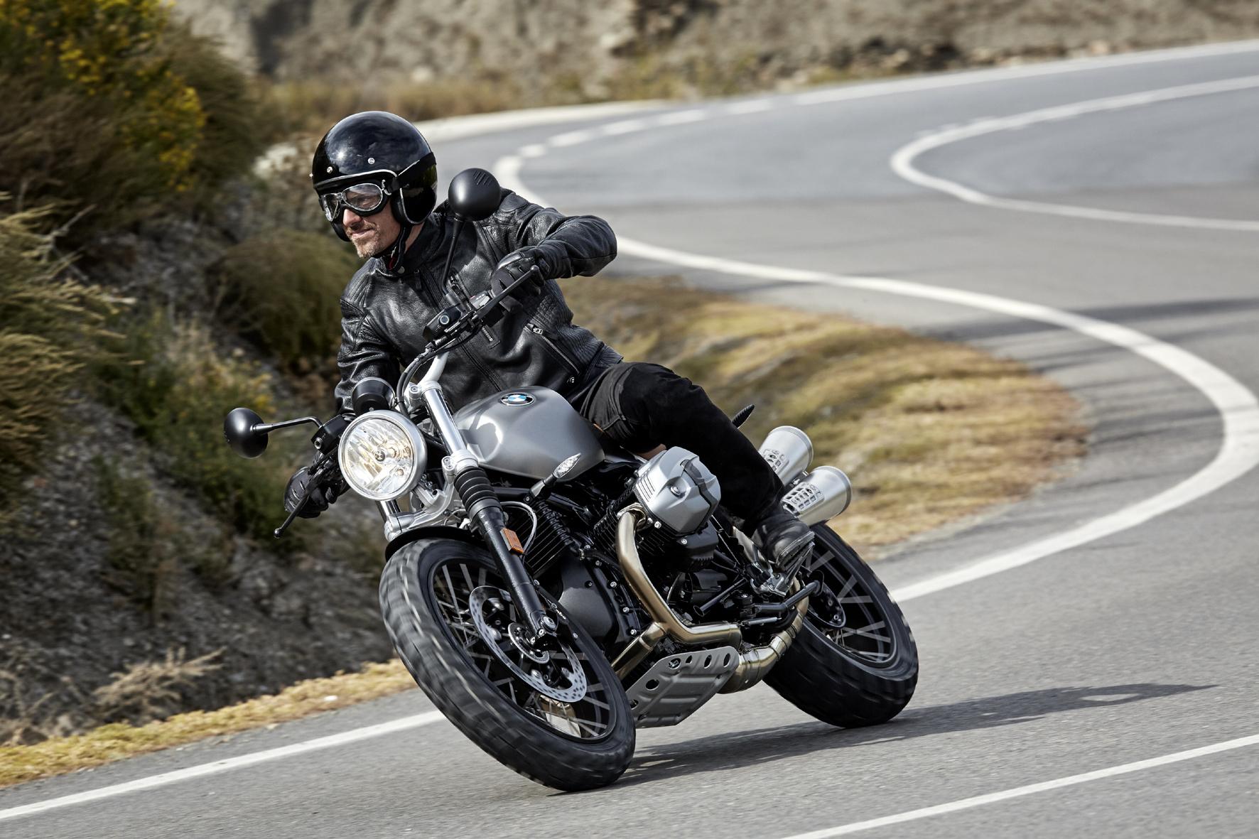 mid Mailand - Klassisches Motorrad mit erweitertem Einsatzspektrum: die neue BMW R nineT Scrambler.