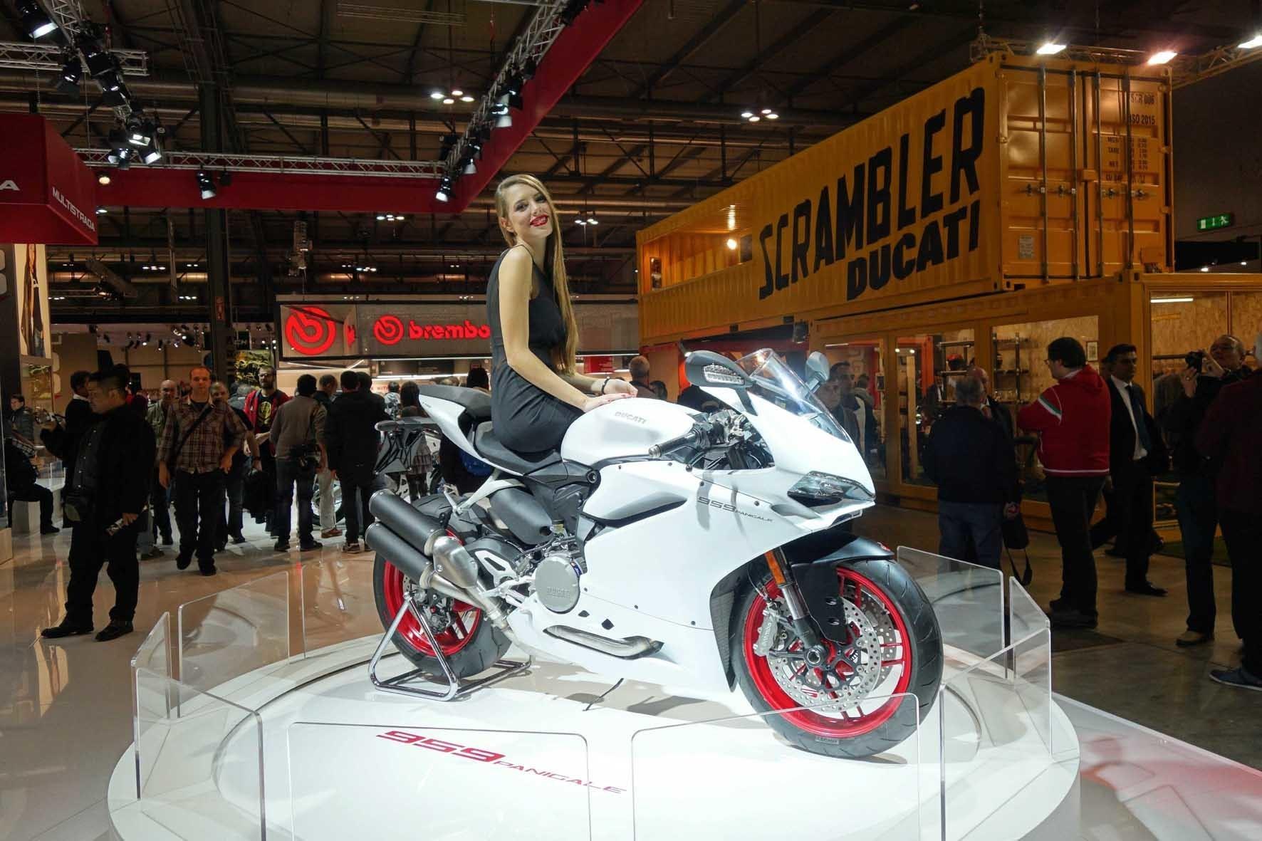 """mid Mailand - Schöne Aussichten: Ducati startet beim Heimspiel in Mailand eine Neuheiten-Offensive. Die dort präsentierte neue Panigale 959 mit 157 PS gilt als """"Einsteiger"""" in die Supersport-Welt."""