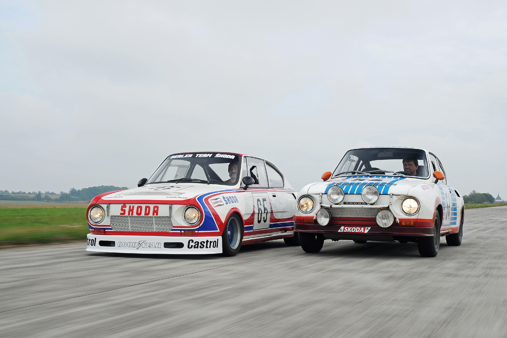 """mid Düsseldorf - Der """"Porsche des Ostens"""" Skoda 130 RS gab 1975 sein Rennsport-Debüt. Größte Triumphe waren der Gesamtsieg mit dem Tourenwagen (links) bei der EM 1981 und der Doppelsieg in der Klasse bis 1.300 ccm bei der Rallye Monte Carlo 1977."""