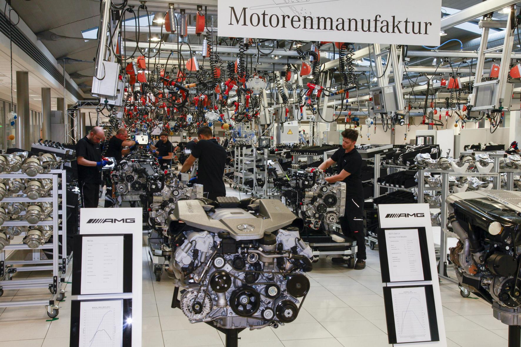 mid Düsseldorf - Die Zwölfzylinder-Motoren von AMG fertigt Daimler in Zukunft am Standort Mannheim.