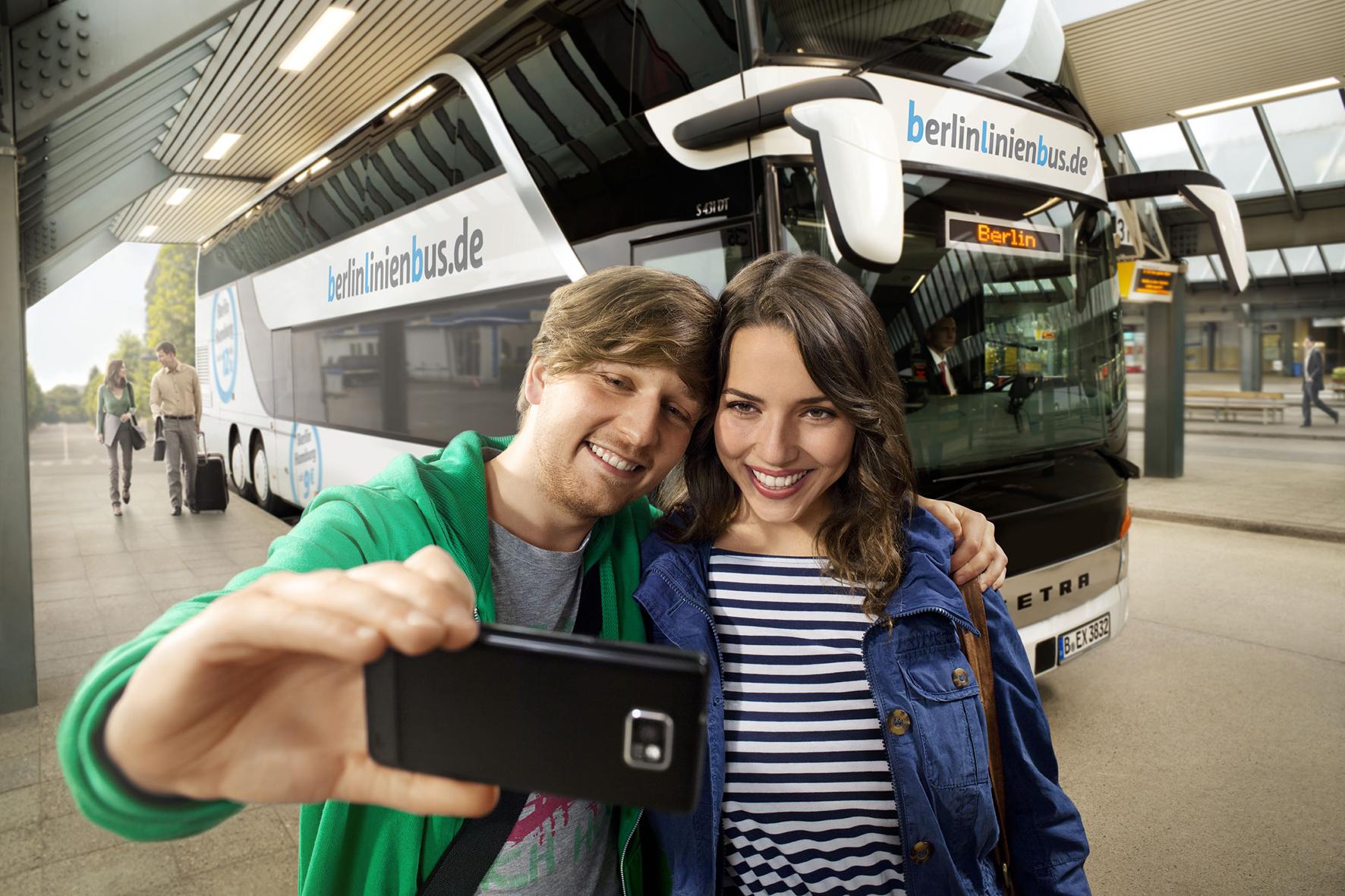 mid Düsseldorf - Durch Echtzeitdaten über die Position der Busse sind Kunden von Berlinlinienbus künftig immer über Verspätungen informiert.