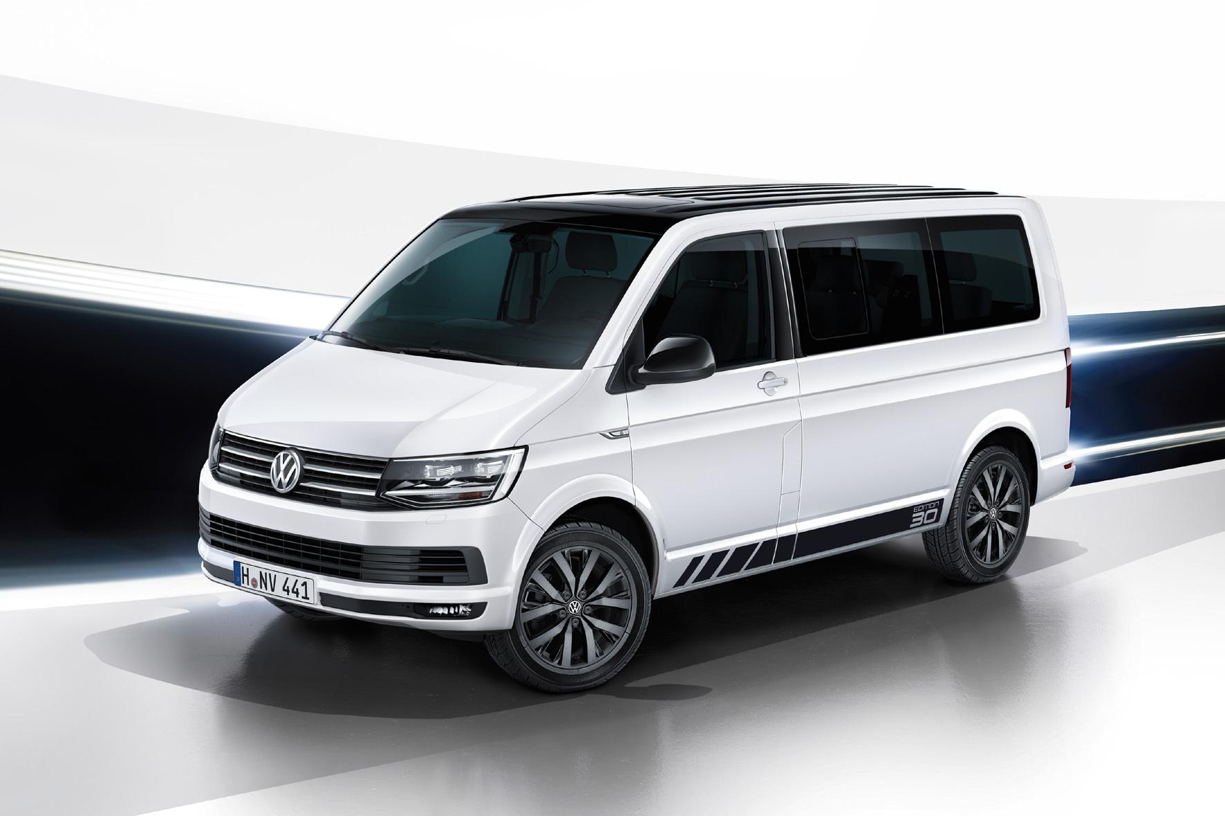 """mid Düsseldorf - VW bringt anlässlich des 30sten Geburtstags des Multivan die Sondermodelle """"Edition 30"""" und """"California Edition"""" im Zweifarb-Design auf den Markt."""