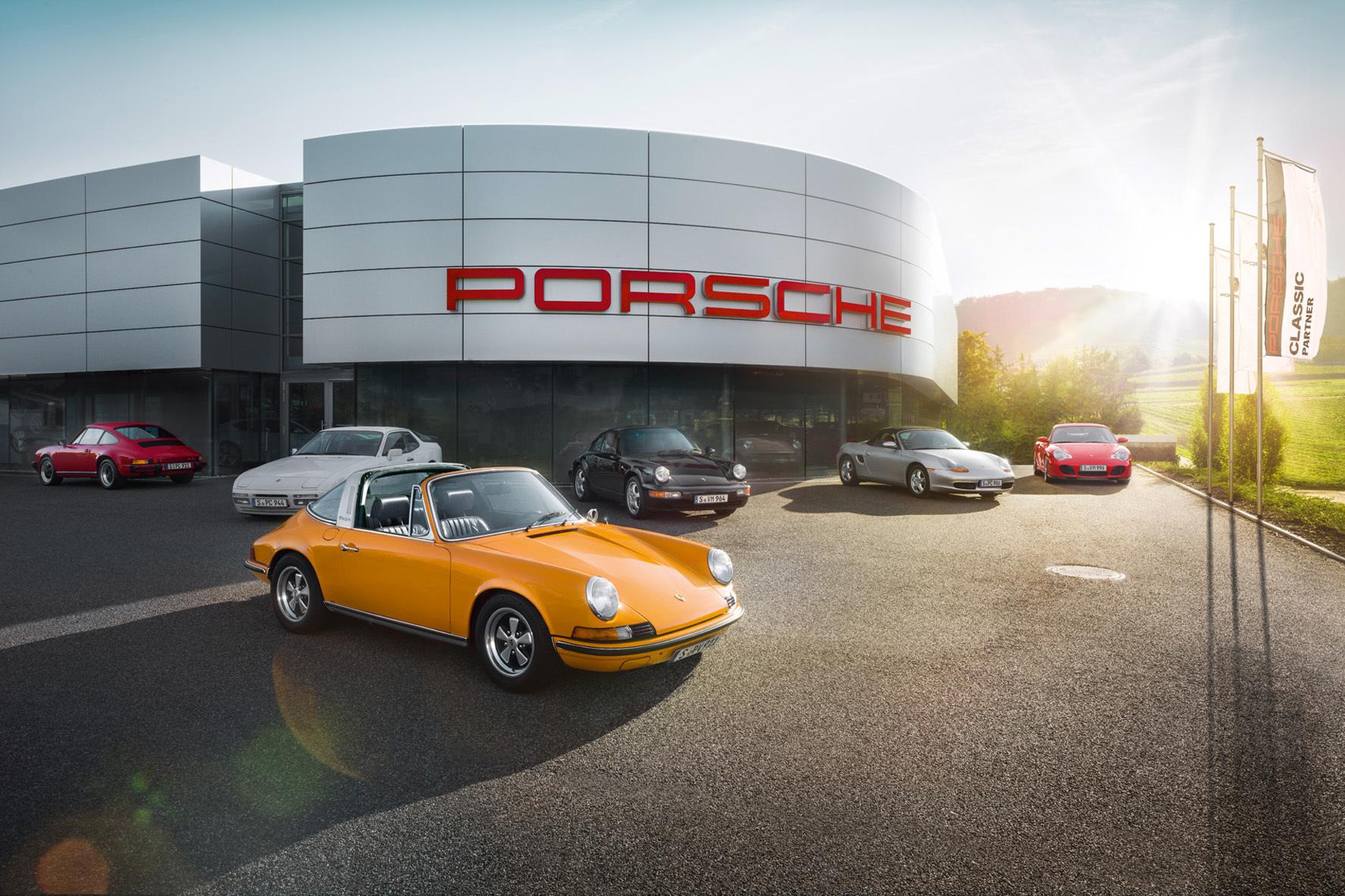 mid Düsseldorf - Klassische Kompetenz: Im Porsche Centrum Gelderland dreht sich alles um Old- und Youngtimer aus Zuffenhausen.