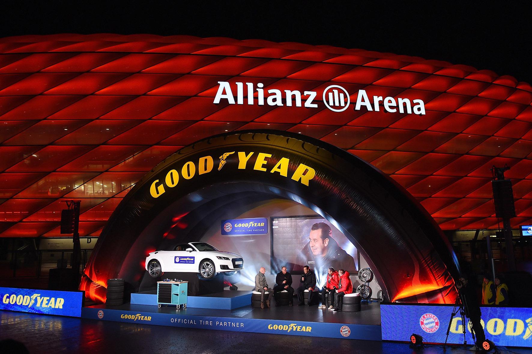mid München - Premium-Reifenbauer und Premium-Fußballclub: Goodyear und der FC Bayern München haben an der Allianz Arena in München öffentlichkeitswirksam eine Platin-Partnerschaft vereinbart.