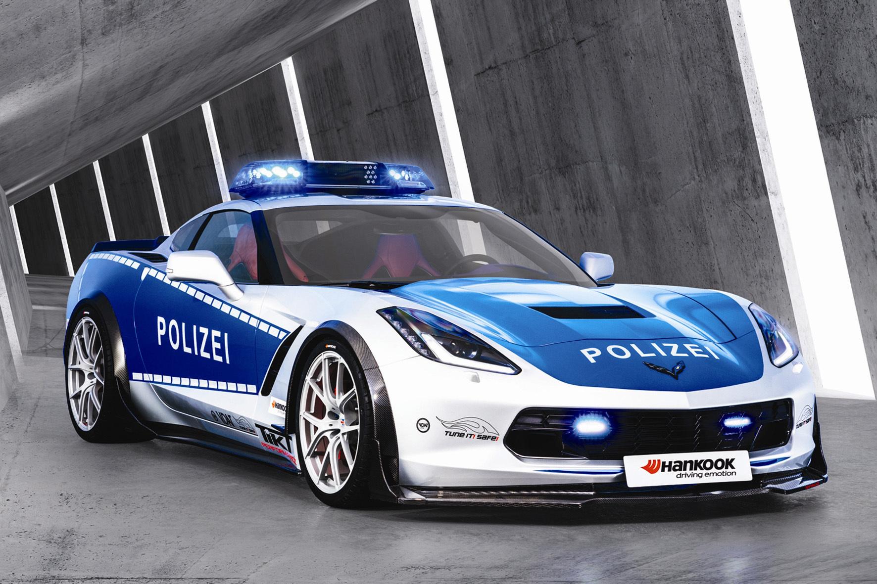 mid Düsseldorf - Bei diesem sportlichen Polizeiauto dürfte so mancher Ganove sein blaues Wunder erleben. Für die passende Bereifung sorgt der im Motorsport seit Jahren erfolgreiche Hersteller Hankook.
