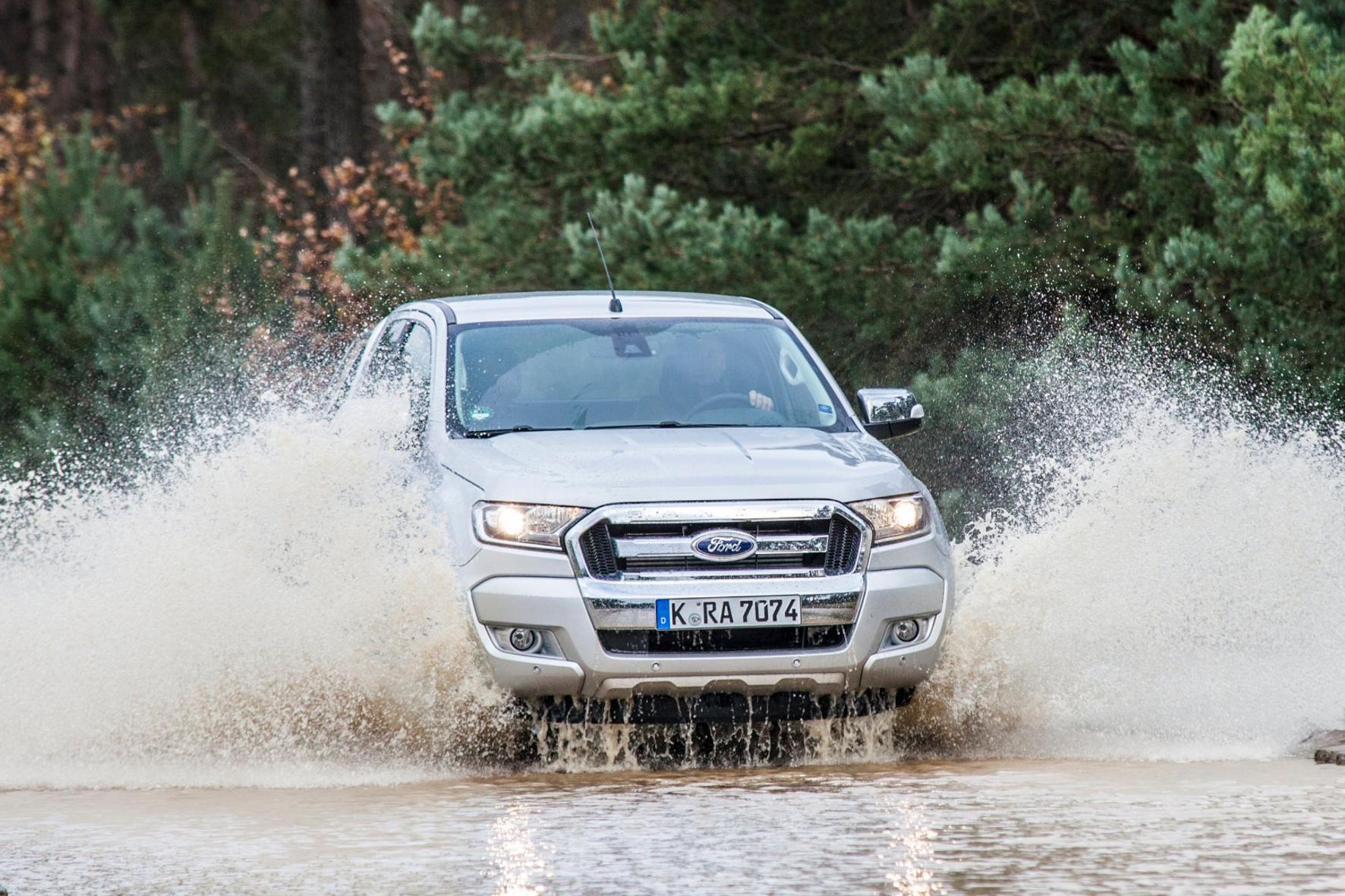 mid Groß-Gerau - Ford bringt jetzt den modellgepflegten Ranger nach Europa. Der Pick-up ist ein Vielzweck-Vehikel für alle Fälle. Davon zeugt zum Beispiel die Wattiefe von 80 Zentimetern.