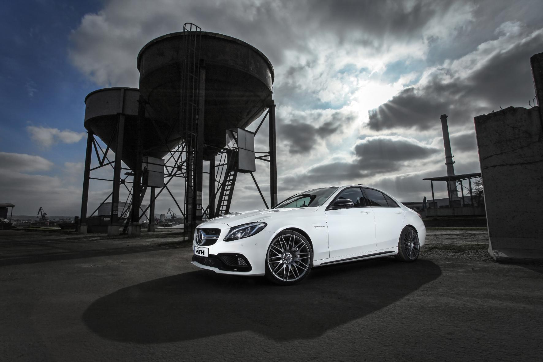 mid Groß-Gerau - Kraftkur für ein AMG-Modell? Aber sicher, denkt sich Tuner Väth und pumpt den V8-Motor des Mercedes C 63 AMG auf bis zu 680 PS auf - ABE-Bescheinigung inklusive.