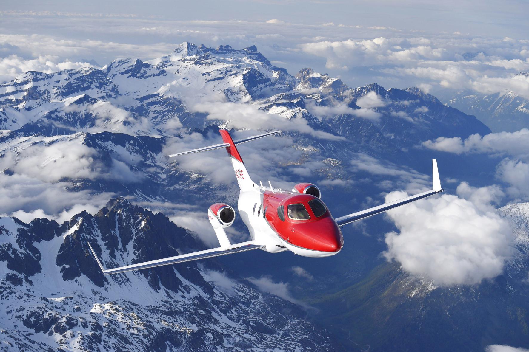 mid Groß-Gerau - Honda's Business Jet hebt ab: Der HondaJet hat jetzt die Freigabe der US-Luftfahrtbehörde erhalten. Er soll das schnellste und verbrauchsärmste Flugzeug seiner Klasse sein.