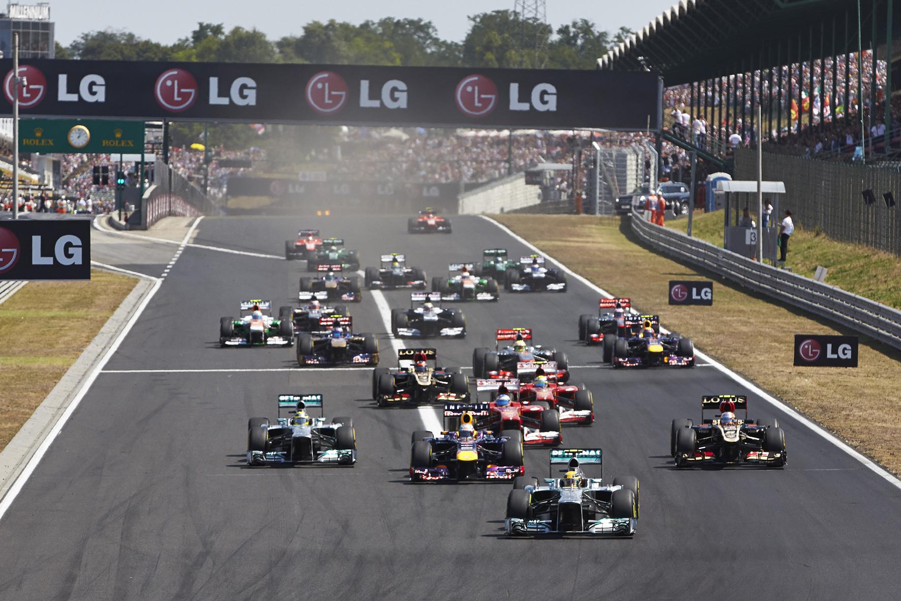 mid Groß-Gerau - In der Formel 1 geht der Motorenstreit in eine neue Runde: Promotor Bernie Ecclestone will möglichst schnell einen einfacheren und billigeren Motor einführen, um die Königsklasse des Motorsports wieder spannender und gerechter zu machen.