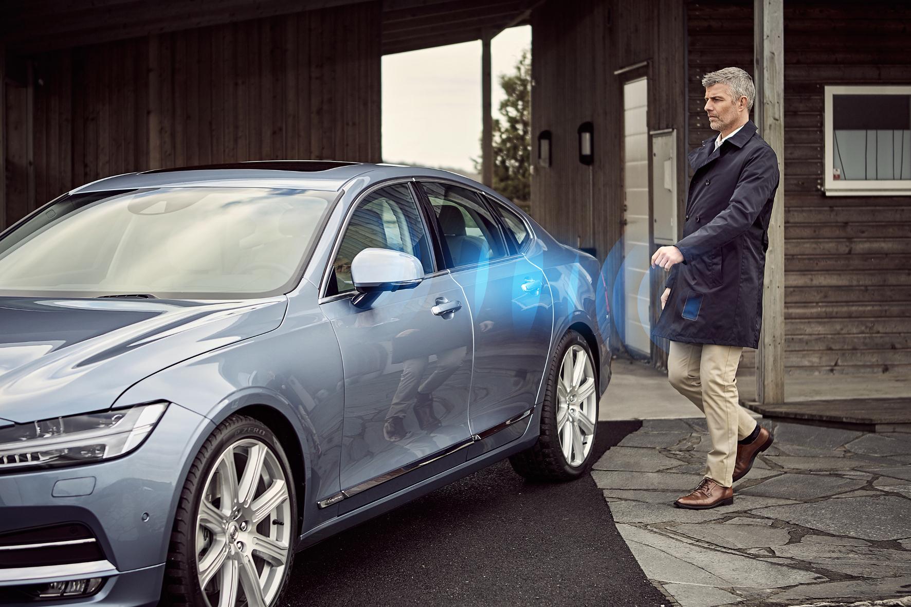 mid Groß-Gerau - Volvo will den klassischen Autoschlüssel komplett durch eine Smartphone-App zum Öffnen und Starten ersetzen.
