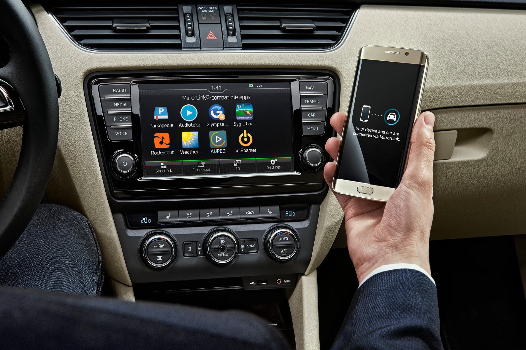 mid Groß-Gerau - Skoda vernetzt Smartphones künftig über WLAN mit dem Infotainment-System im Auto.