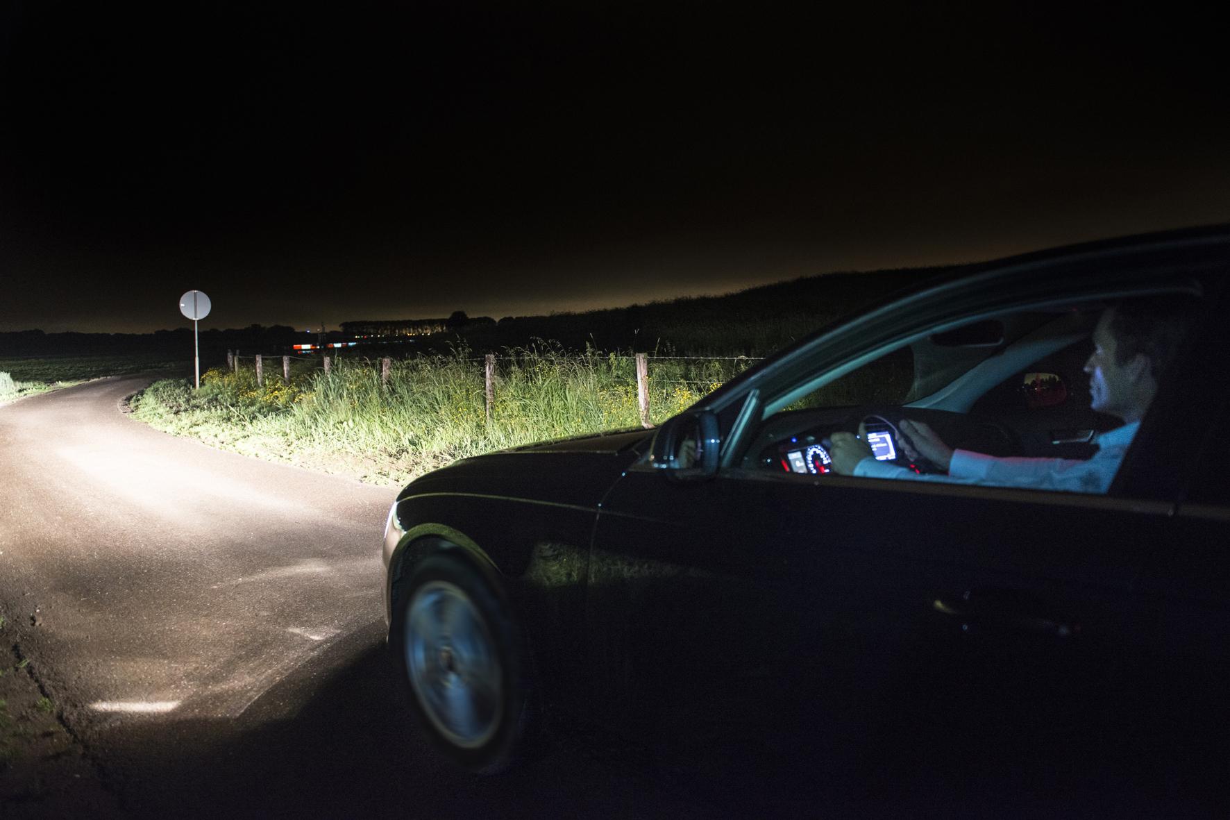 mid Groß-Gerau - Die Leuchtkraft der Auto-Scheinwerfer wird immer besser. Doch die Forscher legen die Messlatte ständig höher. Und das ist gut so: Denn gute Scheinwerfer sind eine Art Lebensversicherung für Autofahrer.