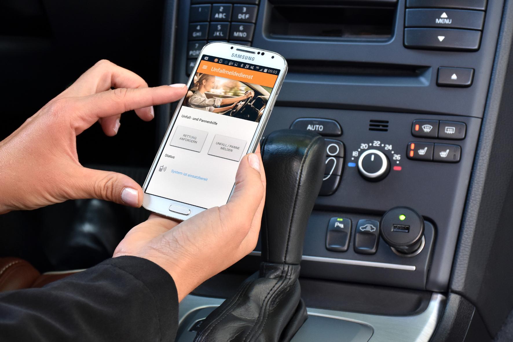 mid Groß-Gerau - Digitaler Hilferuf: Auch Fahrer älterer Autos können bald einen automatischen Unfall-Notruf nutzen.