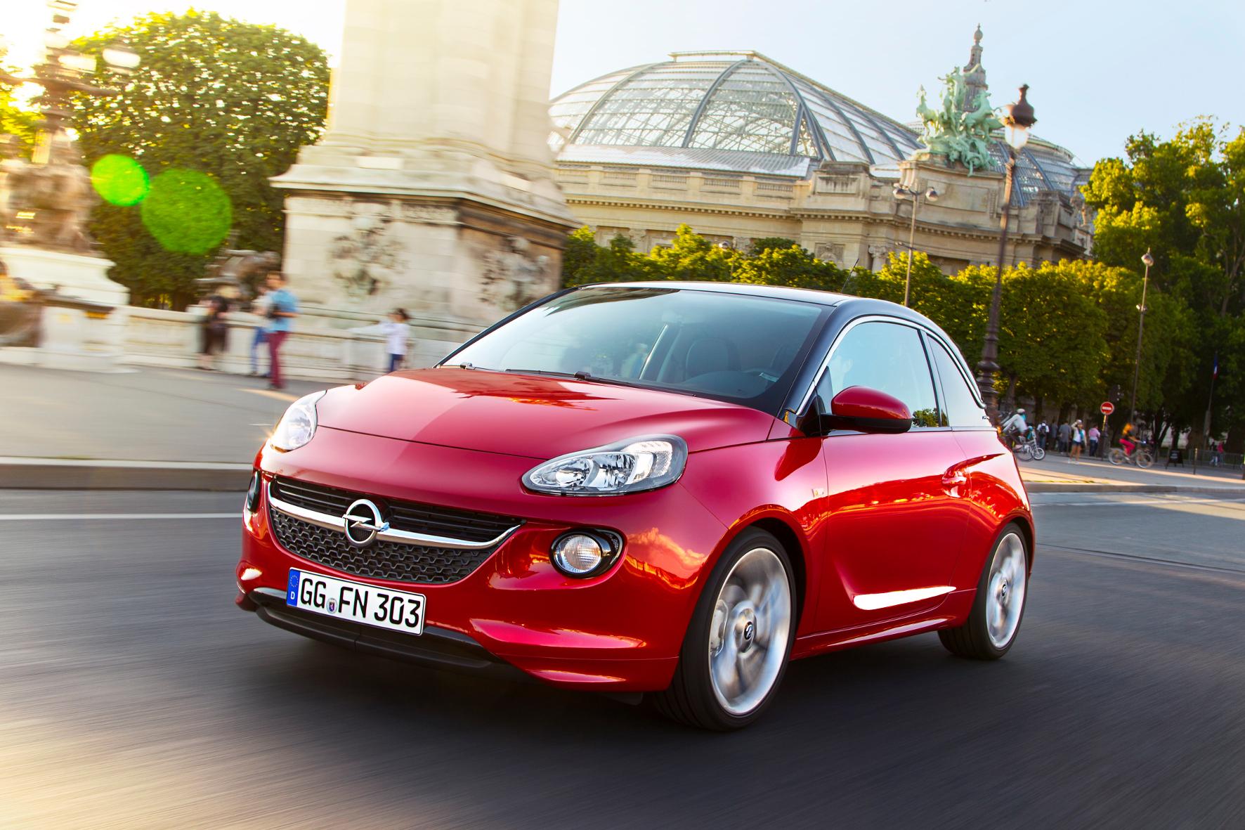 mid Groß-Gerau - Neues Technik-Feature für den Adam: Opel stattet seinen Stadtflitzer jetzt mit einer induktiven Ladestation für Smartphones aus.