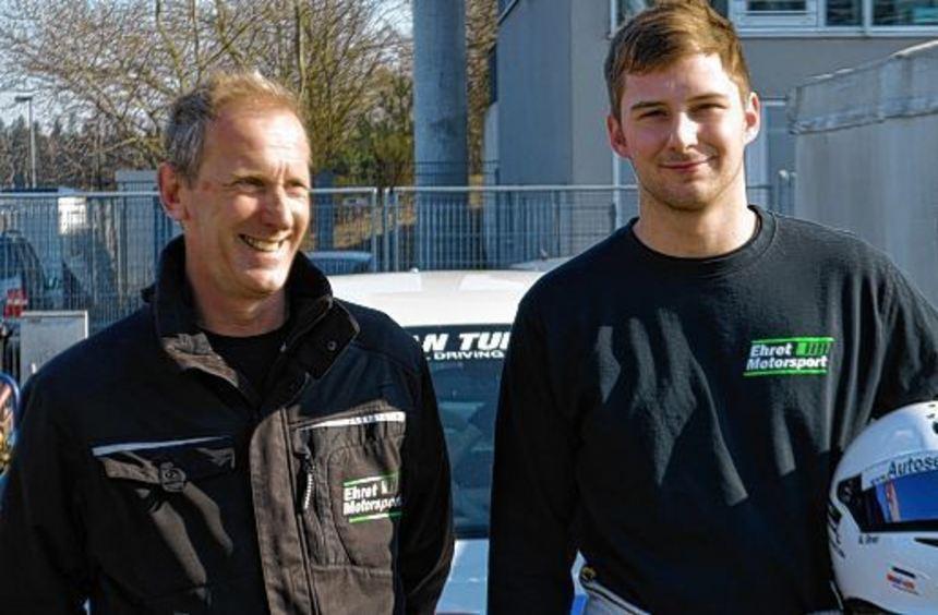 Thomas Ehret (l.) und Marc Ehret wollen die zehn Rennen auf dem Nürburgring möglichst erfolgreich ...