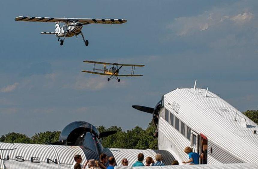 Auch in diesem Jahr wird die JU 52 (im Vordergrund) wieder zum Flugtag am 9./10. Juli in Bensheim ...
