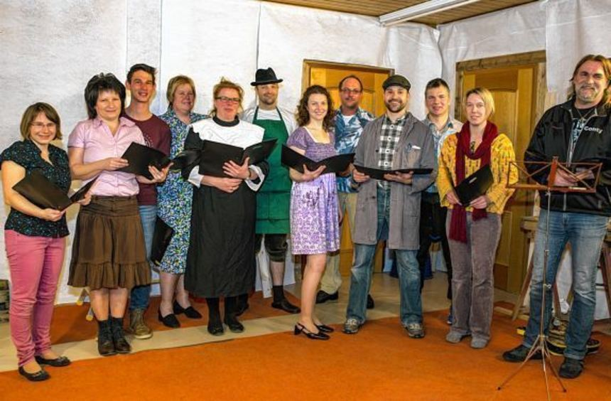 """Die """"Erfelder Ortsbühne"""" hat ein neues Stück einstudiert und erfreut damit die Theaterfreunde bei ..."""