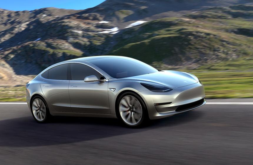 mid Groß-Gerau - Die Katze ist aus dem Sack: Tesla hat sein viertes Elektroauto Model 3 enthüllt.