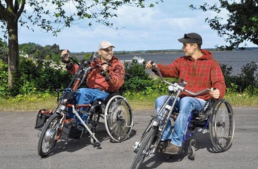 Handbiker finden zum Beispiel am Senftenberger See ideale Voraussetzungen.