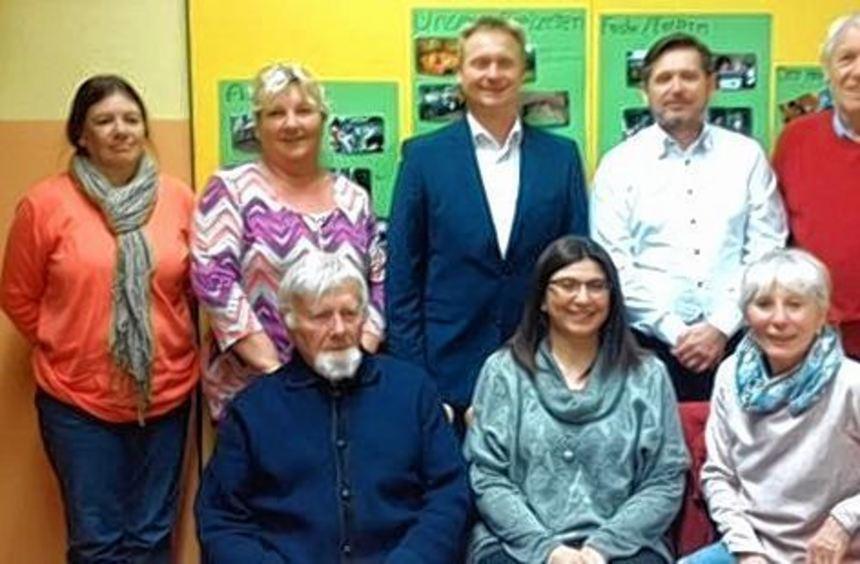 Der Vorstand dankt für langjähriges Engagement: Petra Hoffmann, Sabine Oberling, Thomas ...