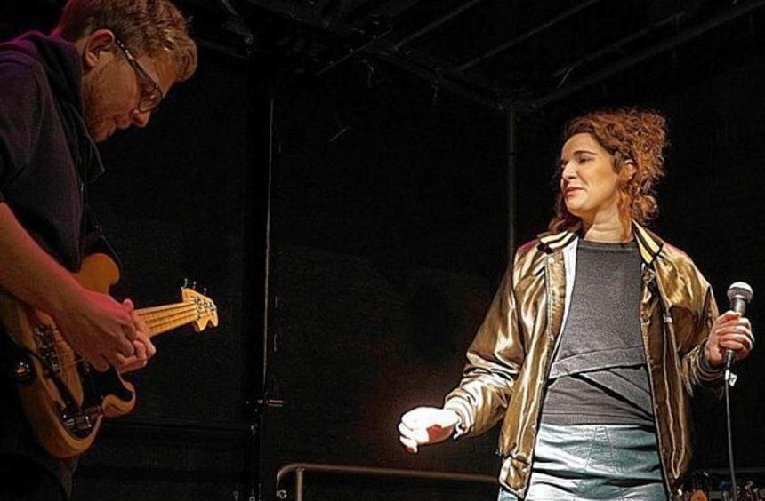 Das Jazz-Duo Tobias Schmitt und Pia Allgaier spielt am Sonntag, 10. April, bei der Jazz-Night im ...