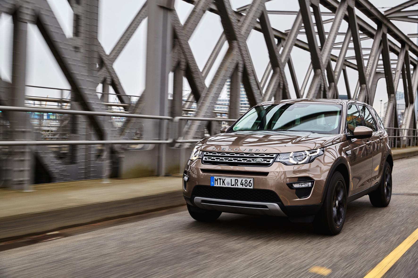 mid Groß-Gerau - Der Discovery Sport passt in Sachen Design genau in die Land Rover-Familie aus Evoque, Discovery und Range Rover.