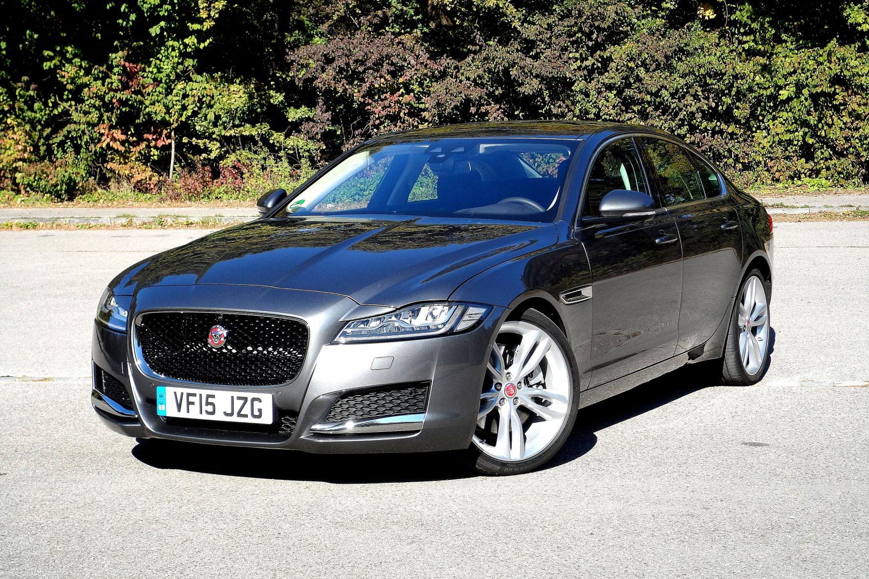 mid Groß-Gerau - Elegant, komfortabel und mit dem Dreiliter-Diesel mehr als gut motorisiert: der Jaguar XF 30d.