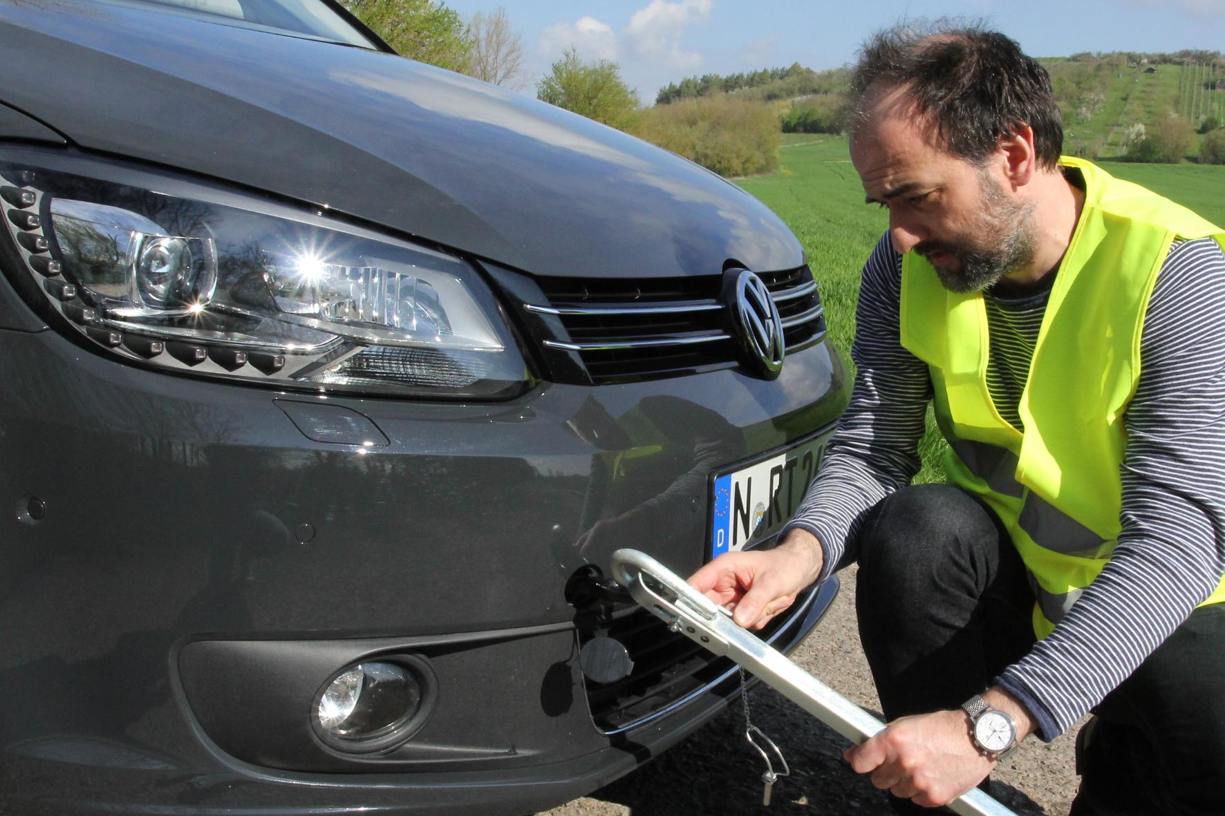 mid Groß-Gerau - Beim Abschleppen eines Fahrzeugs müssen Autofahrer einige Regeln befolgen, um keine Folgeschäden zu riskieren.