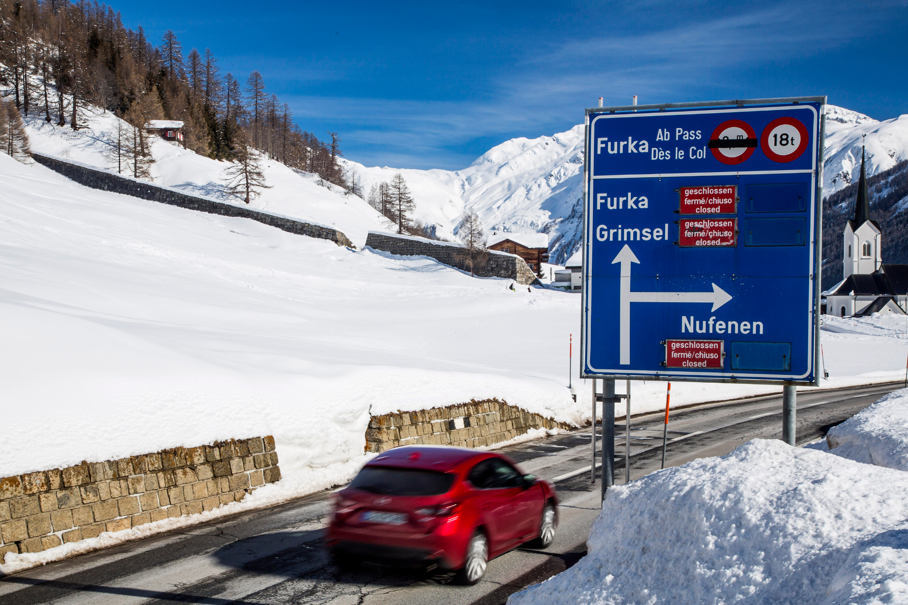 mid Groß-Gerau - Anfang Mai sind noch längst nicht alle Alpenpässe wieder befahrbar. Außerdem gilt momentan noch vielerorts eine Winterreifen-Pflicht.
