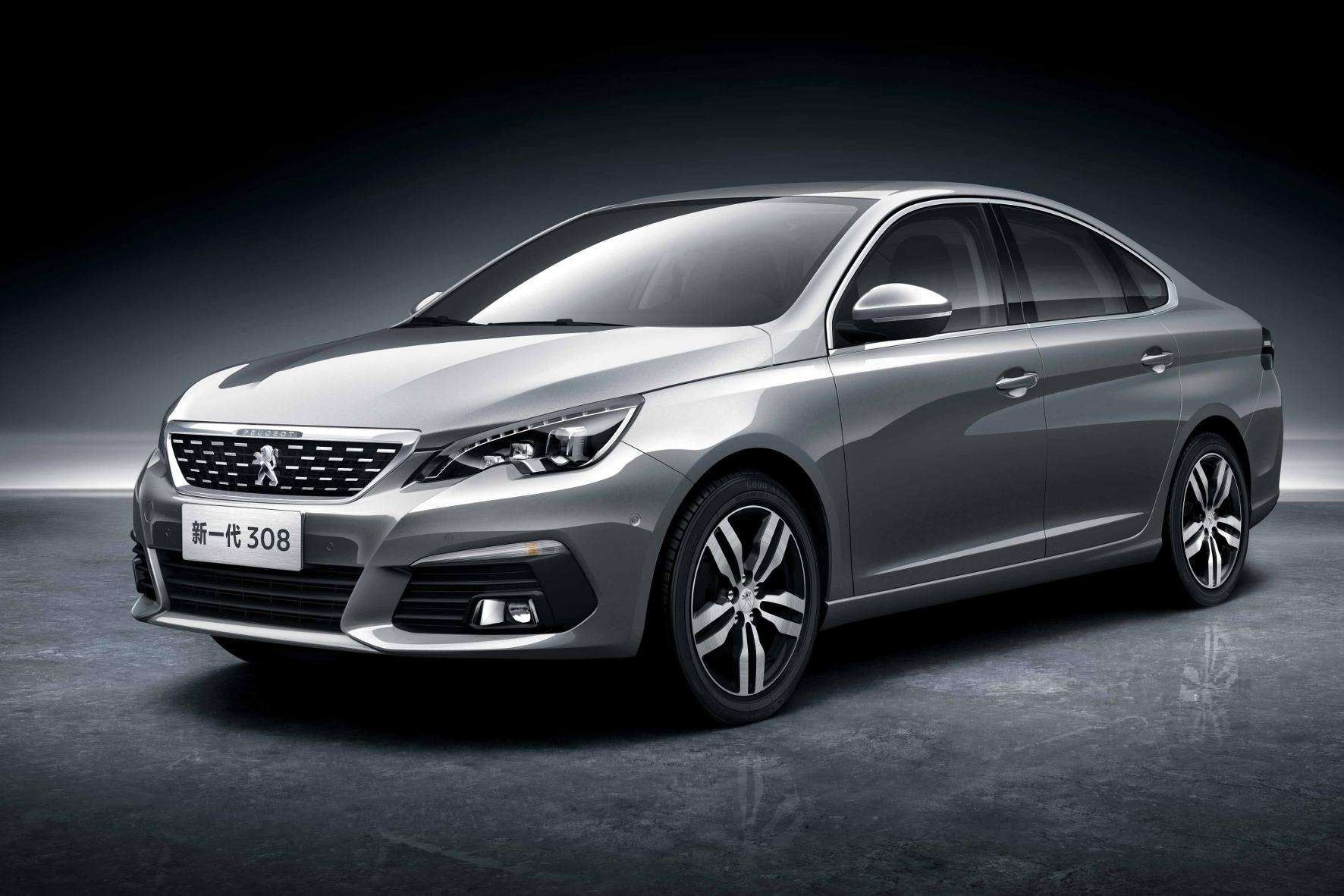 mid Groß-Gerau - Weltpremiere für das wichtigste Peugeot-Modell in China: der 308 als Stufenheck-Limousine.