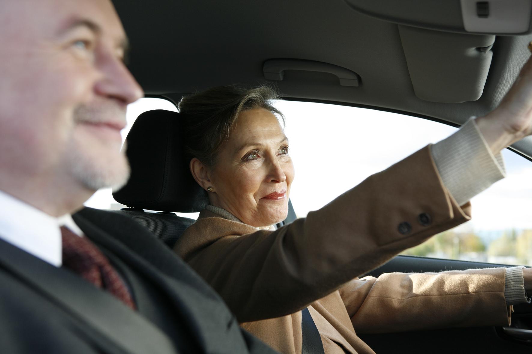 mid Groß-Gerau - Andersherum wäre es besser: Frauen sind auf dem Beifahrersitz willkommener als Männer.